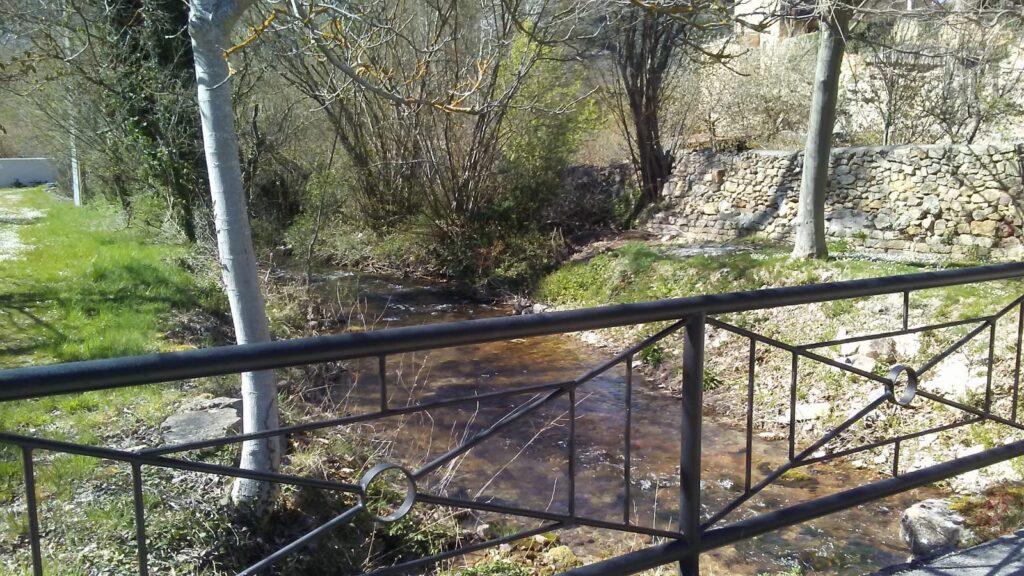 Puente sobre el río Moradillo